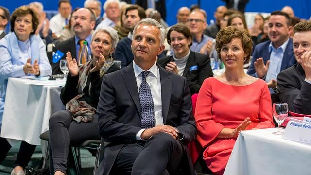 Didier Burkhalter (linke Seite) zusammen mit Ehefrau Friedrun.