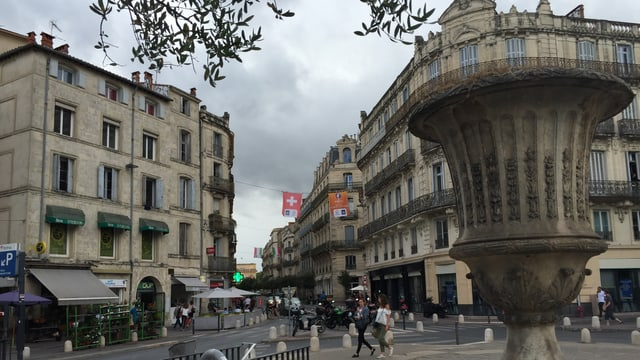 Ina plazza a Montpellier.
