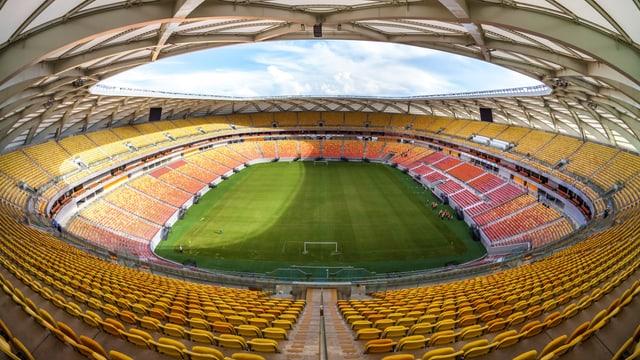 Innenansicht des leeren Stadions Arena Amazonia.