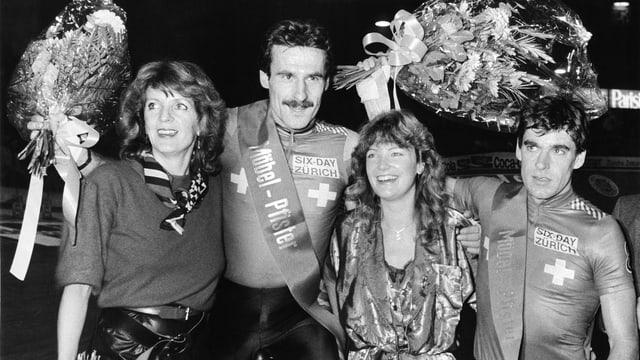 Urs Freuler (l,) und Daniel Gisiger als Sieger des Zürcher Sechstagerennens 1985.