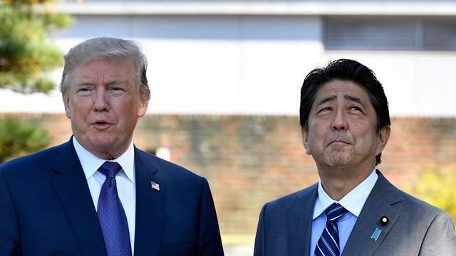 Donald Trumo e Shinzo Abe.