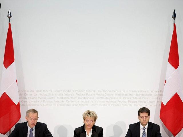 Feierlich verkündete Bundesrätin Eveline Widmer-Schlumpf News in Sachen Steuerdeal mit den USA.