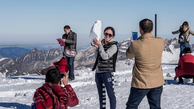 Touristen aus China auf dem Titlis.