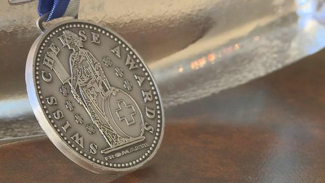 La medaglia da Swiss Chese Award.