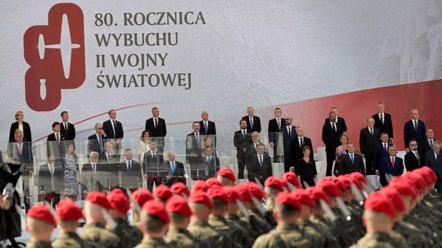 Ehrengäste an der Gedenkfeier.