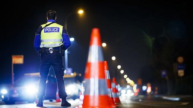 Polizist sin via