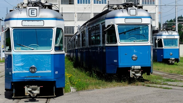 Alte Trams im Depot