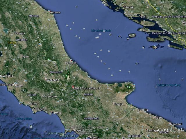 Eine Google Earth Karte von Italien, rot markiert das Dorf Capracotta