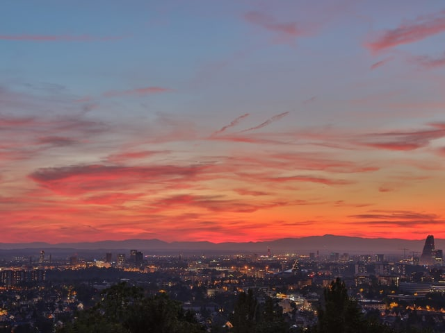 Sonnenuntergang über Basel.