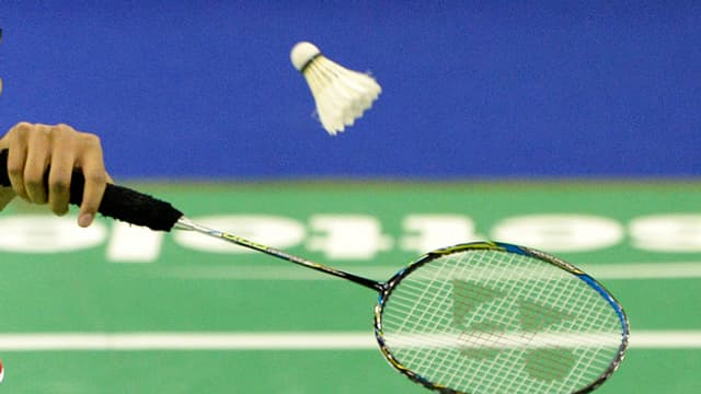 Ein Badmintonspieler