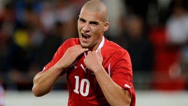 Kasami im Dress der Schweizer Nationalmannschaft.
