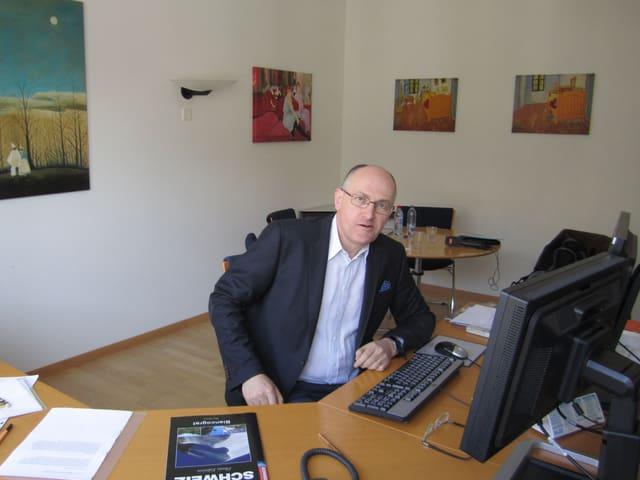 Thomas Küng in seinem Büro an der Stockerstrasse in Zürich.