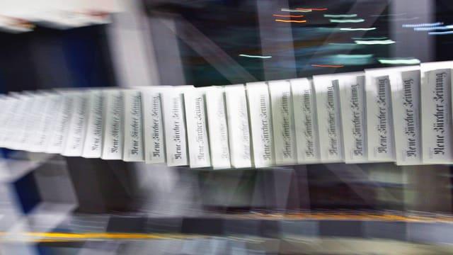«NZZ»-Zeitungen in der Druckerei.