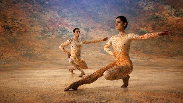 menschen Tanzen auf Bühne