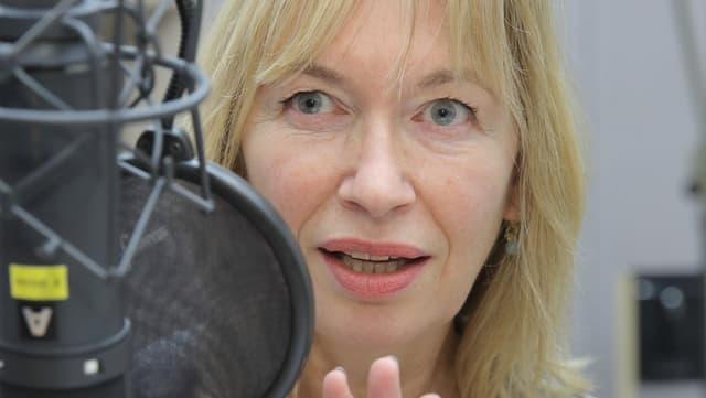 Therese Hämer spricht Kommissarin Jankowitz.