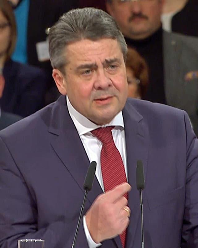 Sigmar Gabriel am Rednerpult.