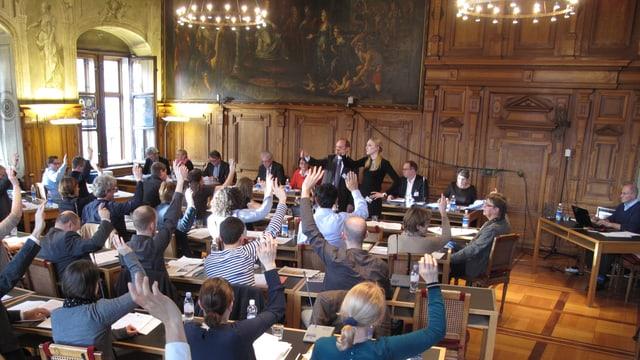 Das Luzerner Stadtparlament bei einer Abstimmung.