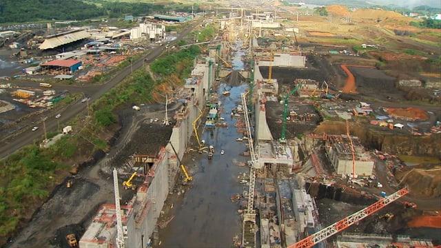 Baustelle des Panama-Kanals von oben.