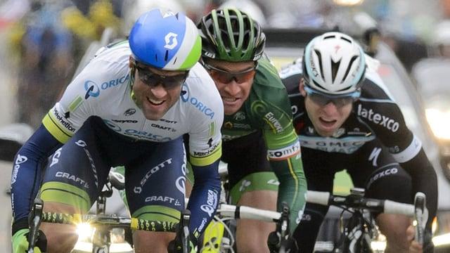 Michael Albasini en il sprint final al Tour de Romandie.