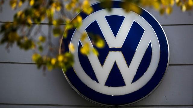 logo da Volkswagen wid ina paraid