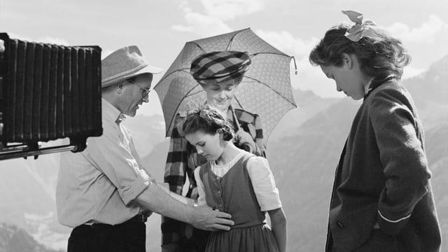 Schnyder während den Dreharbeiten zu «Heidi und Peter» 1954.