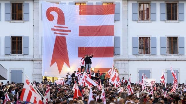 Abstimmungsfeier in Moutier.