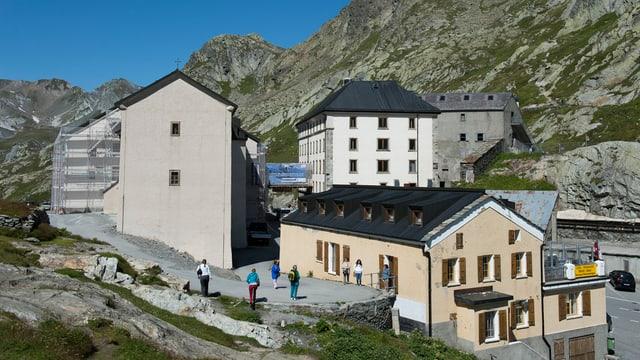Häuser in einer Berglandschaft