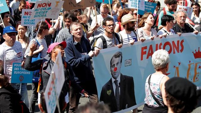 Protestierende Menschen.