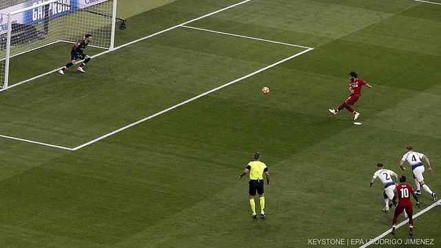 Mo Salah sajetta l'emprim gol da la partida