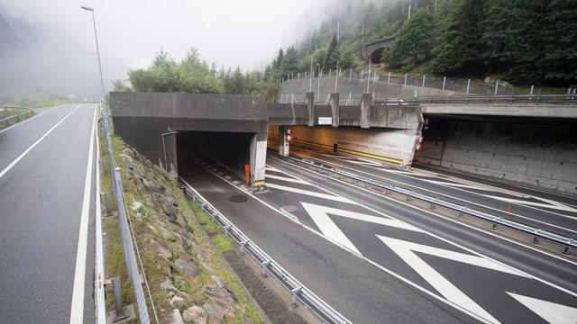 L'entrada existenta en il tunnel dal Gottard duai restar la medema.