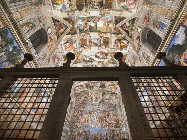Die Decke der sixtinischen Kapelle in Rom.