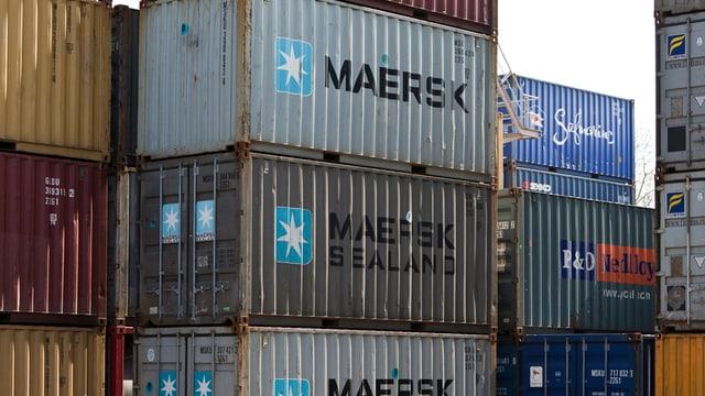 Container, gestapelt.