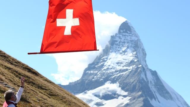Fahnenschwinger und Matterhorn