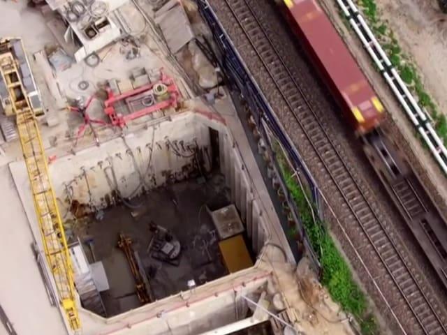 Untertunnelung der Rheinland-Strecke.