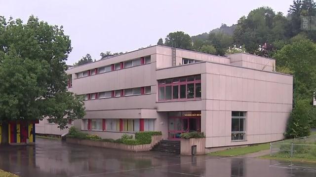 Das Schulhaus Höfli in Ebikon