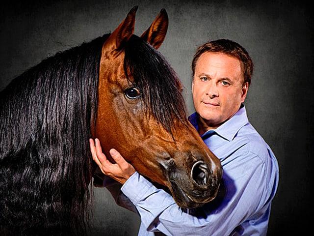 Fredy Knie jun. mit Pferd.