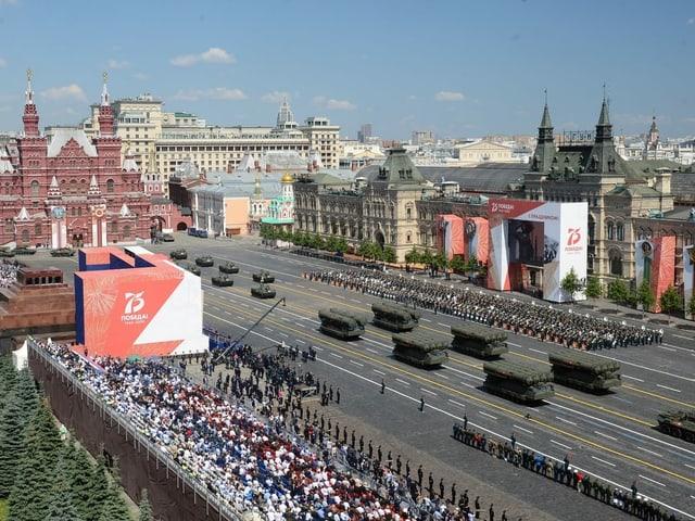 Militärparade von oben