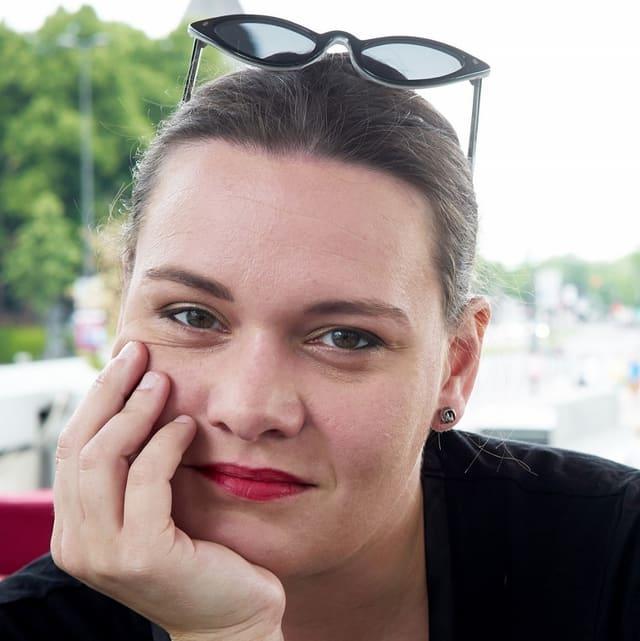 Porträt von Zora Debrunner