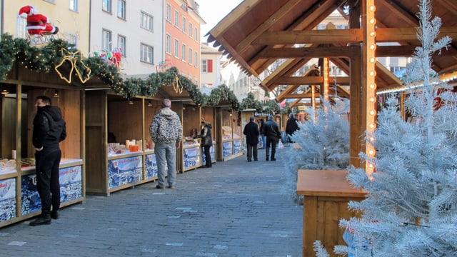 Stände am Churer Christkindlimarkt.