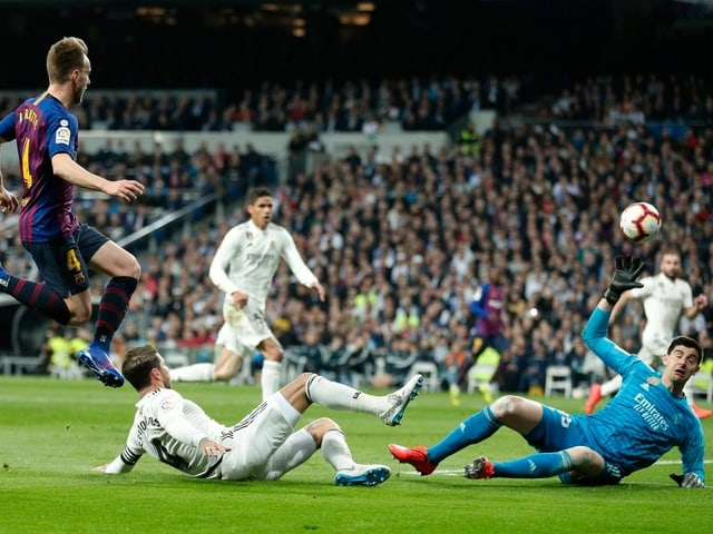 Ivan Rakitic trifft zum 1:0 gegen Real Madrid.
