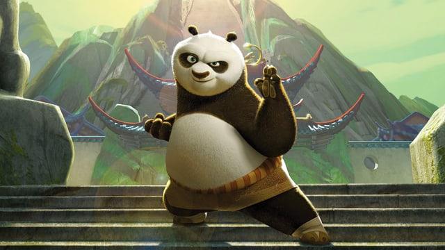 Panda Bär (Panda Po) tanzt kämpferisch