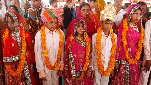 Eine Massenverheiratungszeremonie in Westindien.