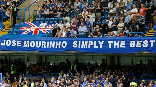 Chelsea-Fans heissen Mourinho willkommen.