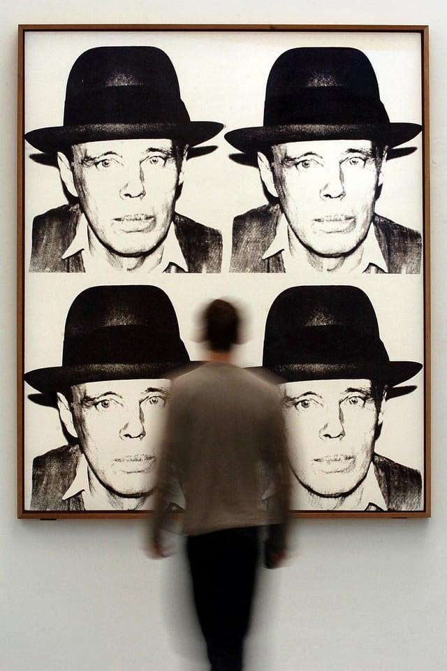 Andy Warhol Druck mit viermal Beuys-Portrait.