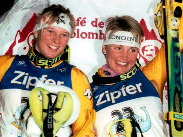 Sonja Nef auf dem Podest bei ihrem ersten Weltcupsieg in Sestriere.