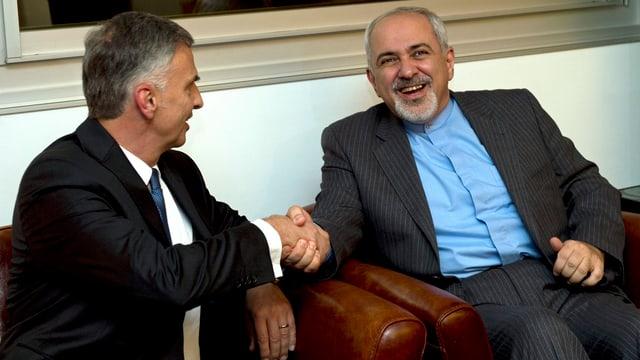 Didier Burkhalter und Mohammad-Javad Zarif bei einem Treffen in Genf, November 2013