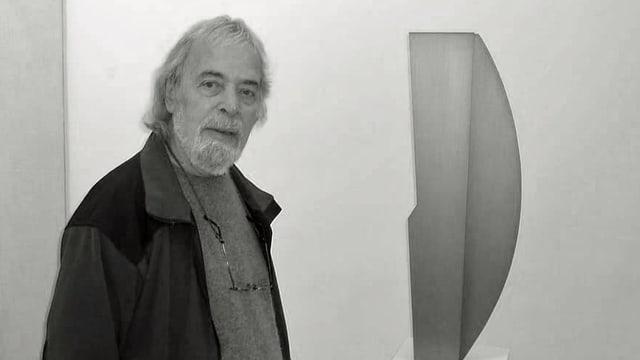 Il picutr-artist Gieri Schmed.