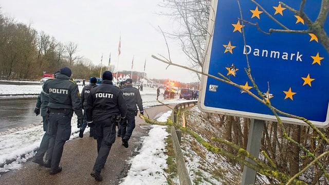 Polizisten an Grenze