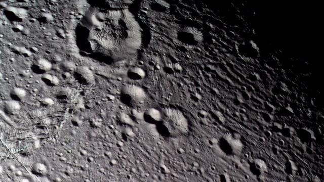 Kraterlandschaft auf Enceladus