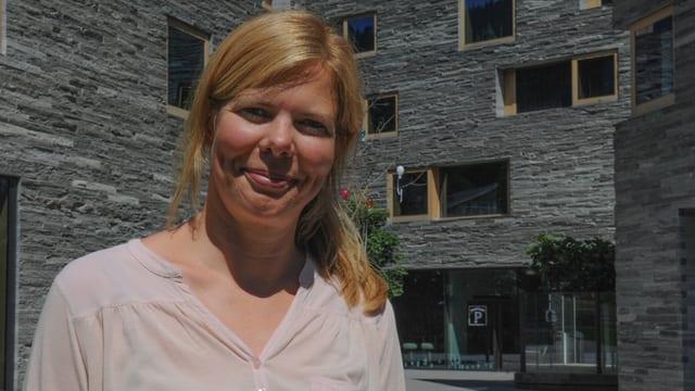 Katja Kamps, pledadra da mededias è da Hamburg